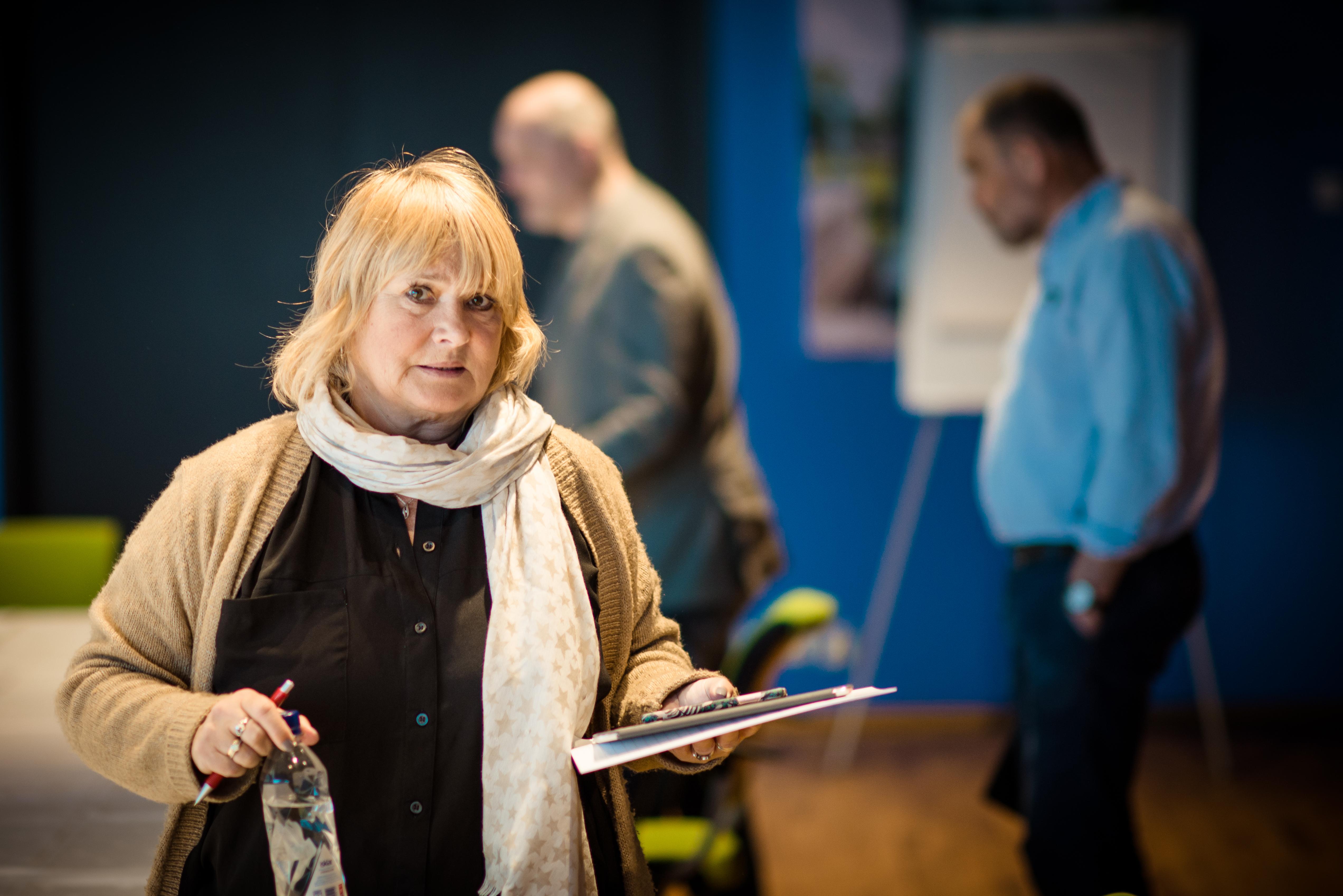 UTSATT: Meklingsfristen er utsatt for ansatte i Nettbuss. Her er Forbundsleder Jane Brekkhus Sæthre underveis i meklingen.
